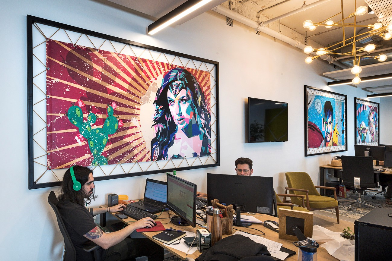 T+R studio תכנון עיצוב פנים ומיתוג סביבת עבודה של משרדים ע